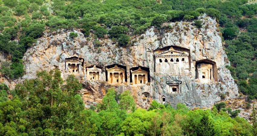Древние гробницы в Дальяне