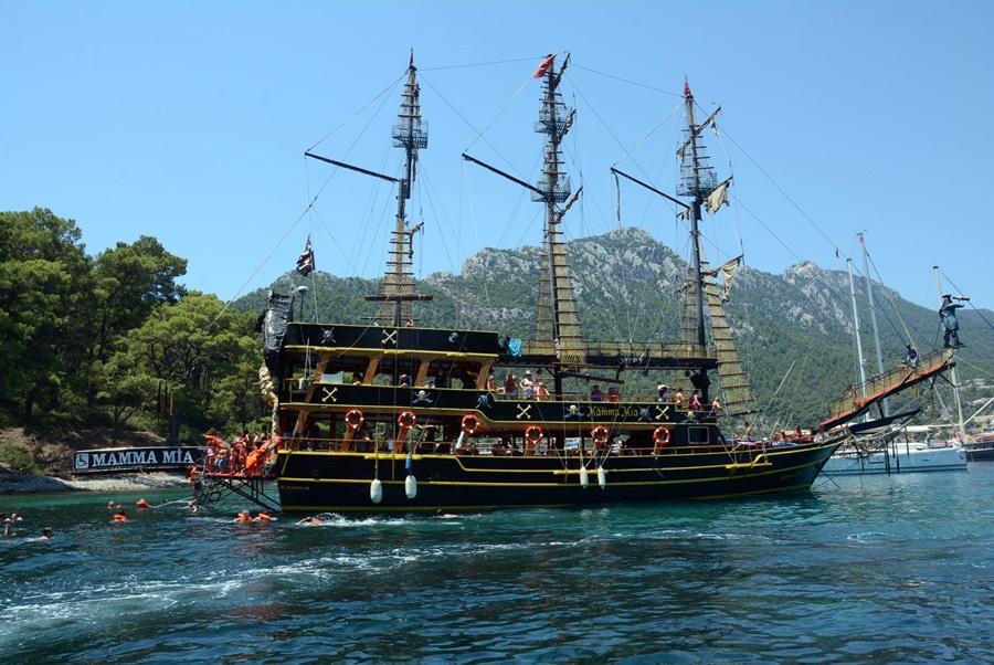 Пиратский корабль в Мармарисе